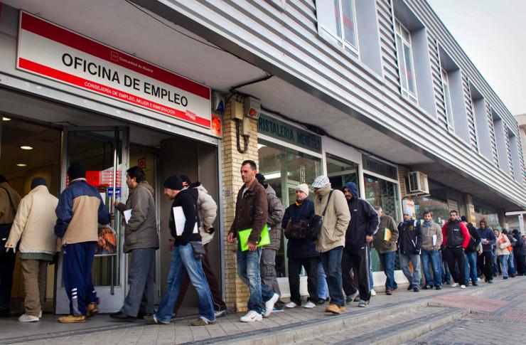 Foto de la web valencianews.es utilizada dentro de un artículo del blog de Consultoría ipYdo S.L. sobre paro, empresas y crisis.